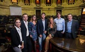 Los legisladores de la oposición Carla Carrizo, Pablo Javkin, Laura Alonso, Adrián Pérez, Laura Montero, Martín Lousteau y Manuel Garrido