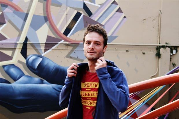 """Paolo Pedercini fundó el estudio Molleindustria donde se diseñan """"juegos serios"""""""