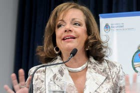 Nilda Garré, ayer, al terminar la exposición en la que ratificó a los jefes de la Gendarmería