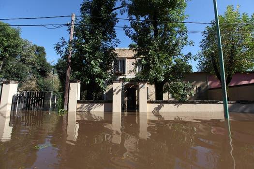 Gran parte de la ciudad quedó bajo el agua. Foto: LA NACION / Ricardo Pristupluk