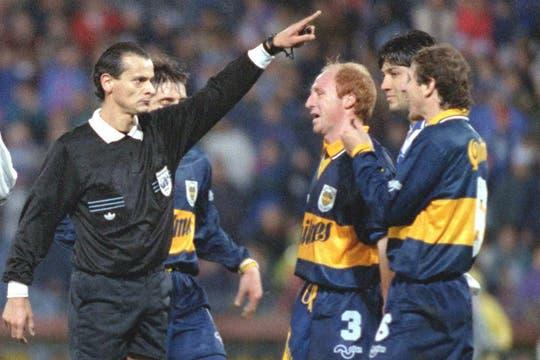 El árbitro Javier Castrilli no pudo imponer su carácter en las urnas. Foto: Archivo