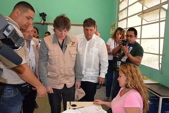 Como observador en las elecciones de Venezuela. Foto: Télam