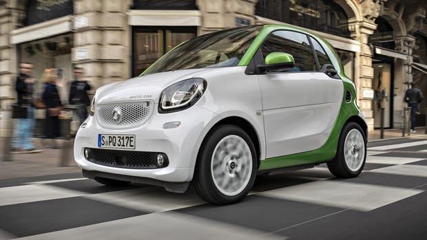 Smart: tanto este auto como los Mercedes-Benz tienen sus versiones híbridas y eléctricas.