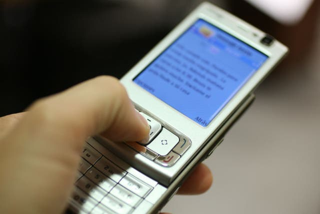 Casi la mitad de las líneas celulares del país funcionan con plenes prepagos