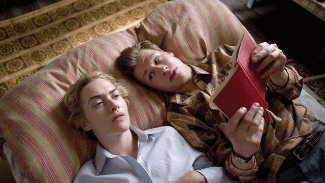 El lector: basado en su célebre novela, el film fue protagonizado por Kate Winslet (ganó el Oscar) y David Kross