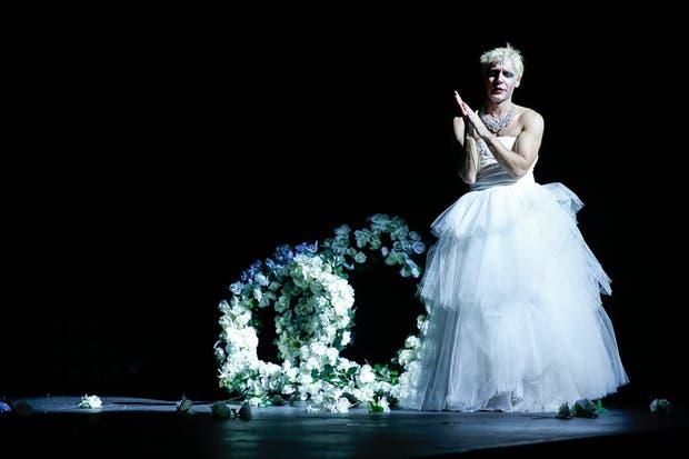 Eva Perón, en la reciente puesta del Teatro Cervantes. Foto: Mauricio Cáceres