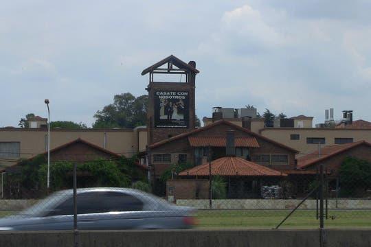 El famoso restaurante El Mangrullo, sobre la autopista Riccheri, es propiedad de la familia Granados. Foto: LA NACION / Natalia Pecoraro