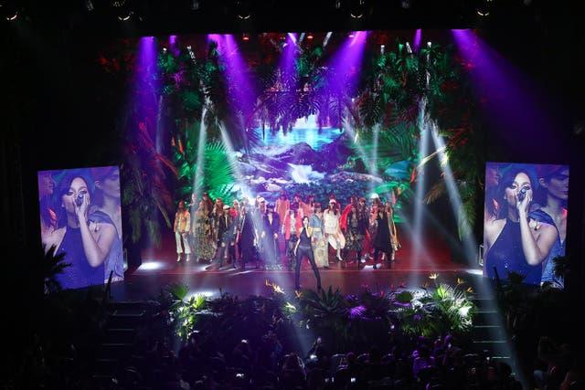 Ginebra en el Teatro Astral