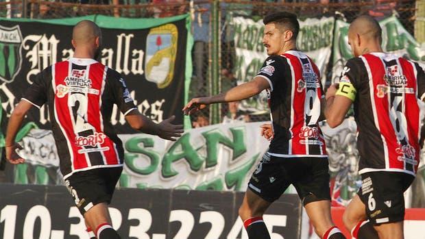 Salinas, la gran carta ofensiva de Chacarita: es el goleador del torneo con 29 tantos