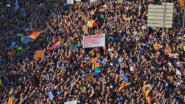 Puigdemont insiste en que aplicará la ley de independencia