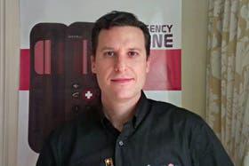 Alan Cymberknoh, el argentino que creó el teléfono que funciona con una pila