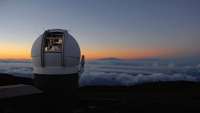 El telescopio Pan-STARRS en la cima del volcán Haleakala, en Hawai