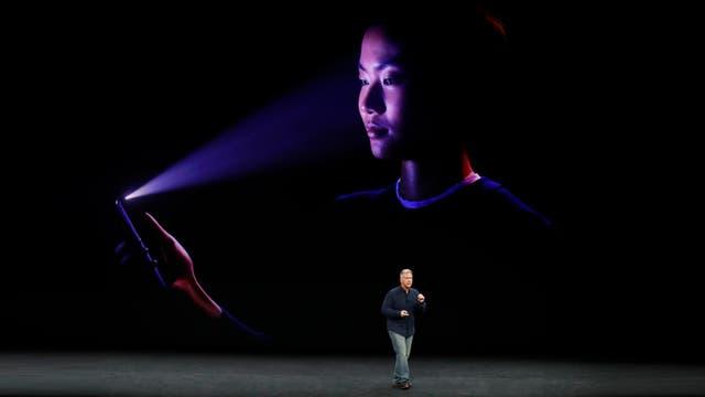 El sistema de reconocimiento facial del iPhone X toma un registro tridimensional del rostro