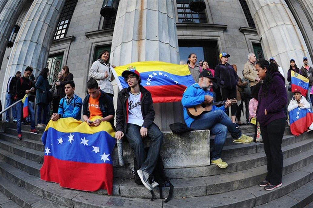Facilitarán el trámite de residencia a los ciudadanos venezolanos