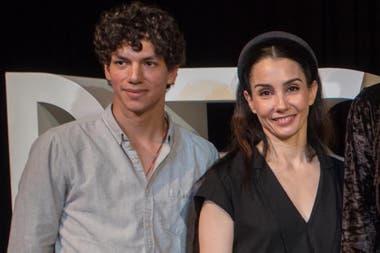Con el bailarín mexicano Isaac Hernández, su pareja, que es figura estelar también en el ENB