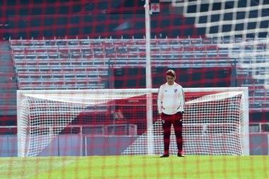 """Gallardo medita en el Monumental. """"Pratto es un jugador complementario y muy de equipo"""", asegura el técnico de River"""