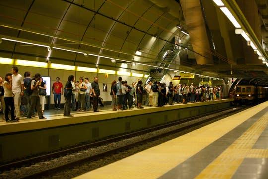 La línea H, la más nueva de las líneas de subte tiene una nueva estación para unir el Sur y el Norte de la ciudad de Buenos Aires. Foto: LA NACION / Rodrigo Néspolo