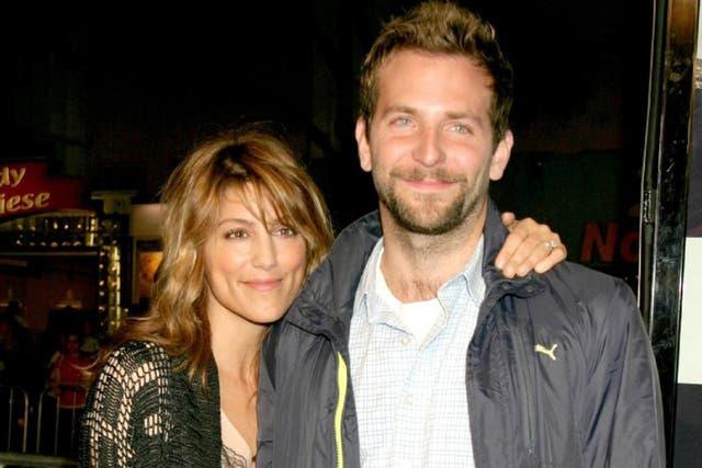 Bradley Cooper y la bella actriz Jennifer Esposito