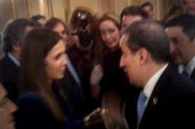 Moreno, ayer, en su áspero diálogo con los periodistas, captado por la cámara de un celular