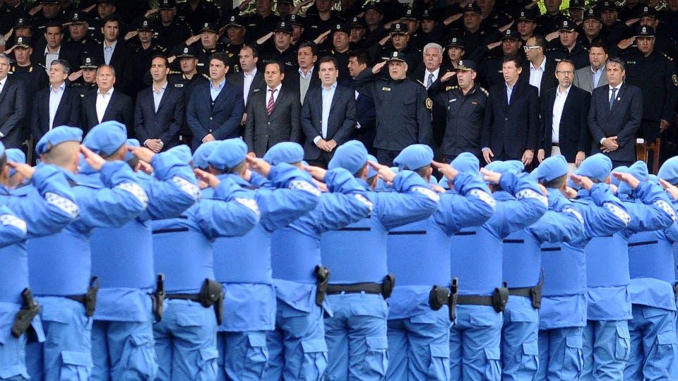 La primera camada de policías locales bonaerenses egresados tras nueve meses de formación foto: Archivo