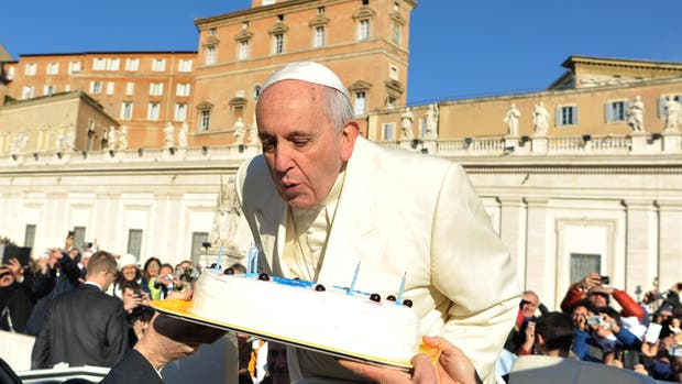 El Papa cumple 80 años y abrió una cuenta de mail para recibir saludos