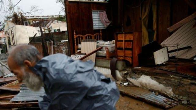 El huracán María arrasó con las paredes de varias casas
