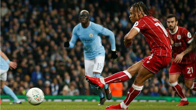 Agüero rescata al Manchester City frente a un sorpresivo Bristol