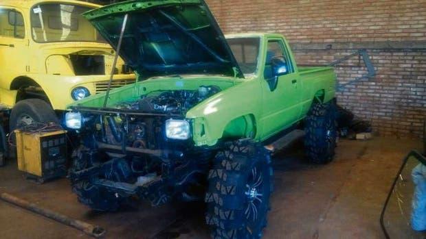 Una Toyota Hilux con el motor de un vehículo que había sido robado a mano armada en la Capital