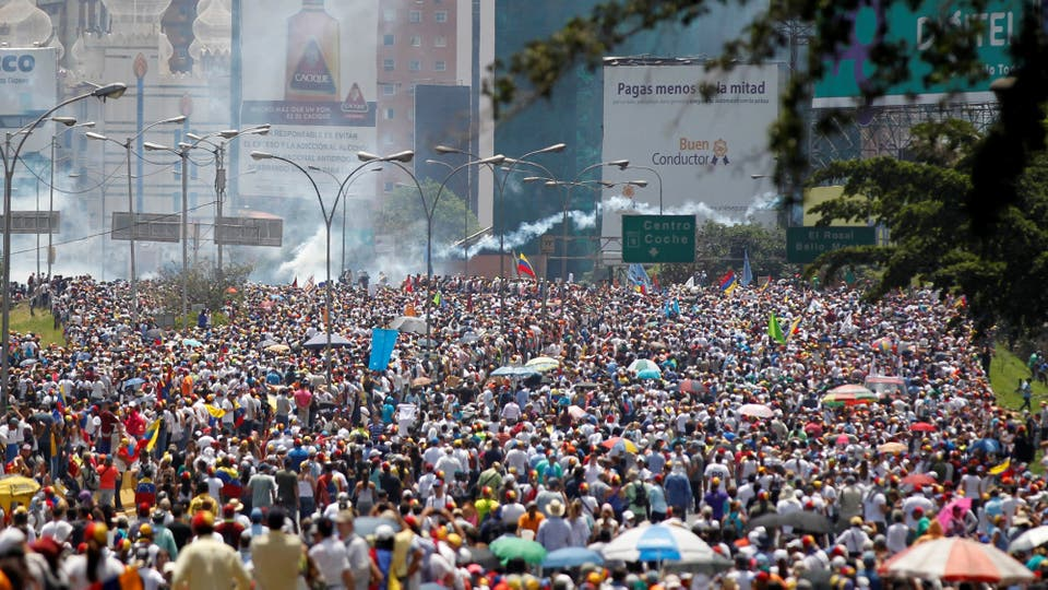 Miles de venezolanos durante la protesta. Foto: Reuters / Christian Verón
