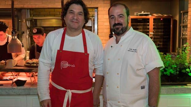El reconocido chef peruano Gastón Acurio y el jefe de la cocina del Four Seasons, Juan Gaffuri, fueron anfitriones de la velada. Foto: Gerardo Viercovich