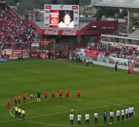 En la cancha de Independiente se hizo un minuto de silencio por Santiago