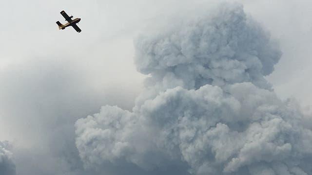 Incendio en Portugal: las llamas no ceden y las cenizas comienzan a cubrir todo