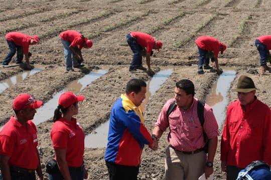 Con productores agropecuarios en Portuguesa, en enero de 2011. Foto: Archivo