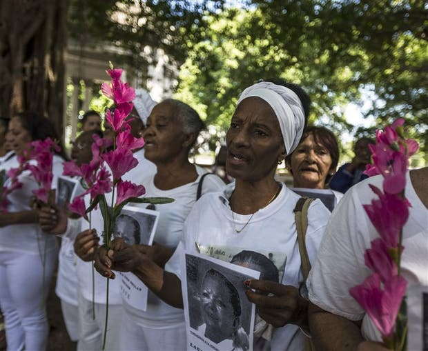 Las Damas de Blanco, uno de los grupos afectados por la represión. Foto: Archivo / NYT