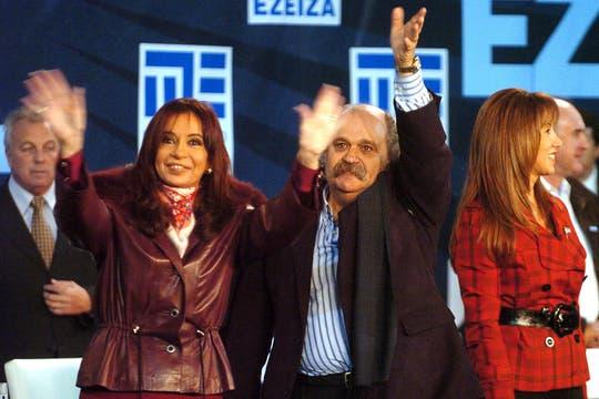 junio de 2009. Cristina Kirchner encabezó el acto de inauguración del polideportivo Diego Armando Maradona en Ezeiza, junto a Granados. Foto: Archivo