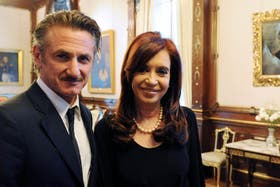 La presidenta Cristina Kirchner con Sean Penn
