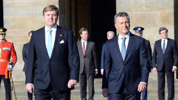 El rey Guillermo junto a Mauricio Macri