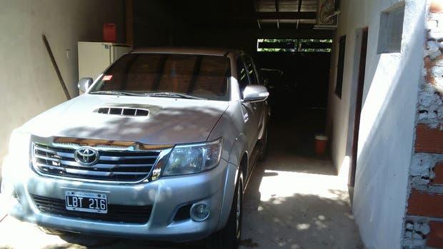 Una Toyota Hilux cuya propiedad es atribuida a Saucedo