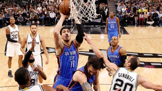 Enes Kanter, el jugador de la NBA que es considerado terrorista en su país