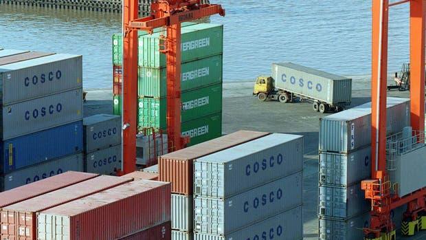 Argentina anota un déficit comercial de 1.083 millones de dólares en agosto