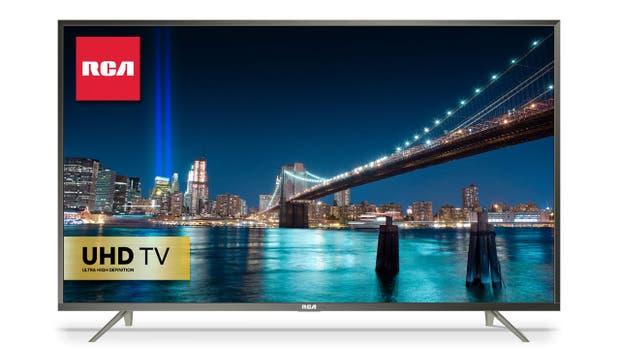 Un Smart TV con resolución 4K; la pantalla es de 65 pulgadas