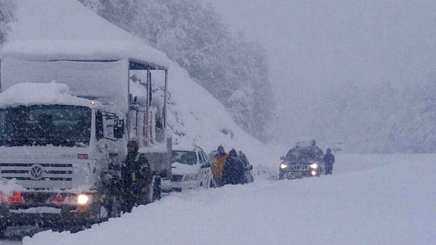 La nieve complicó los viajes por las rutas del sur