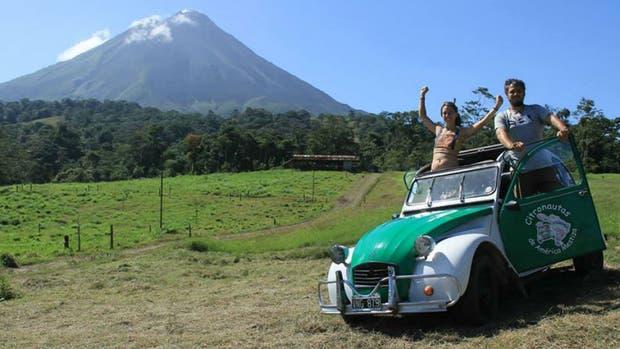 La pareja cordobesa recorrió 16 países de Latinoamerica en un Citroën 3 CV