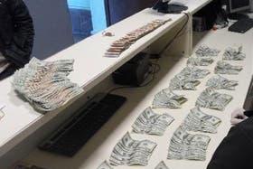 Parte del dinero secuestrado