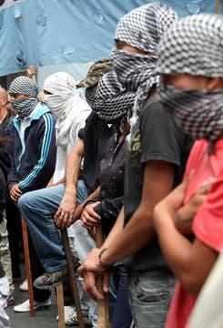 Quebracho se movilizó a las oficinas de Edesur junto a otras organizaciones sociales. Foto: LA NACION / Guadalupe Aizaga