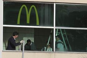Se incendió un local de McDonald''''s de la planta baja; los bomberos controlaron el fuego