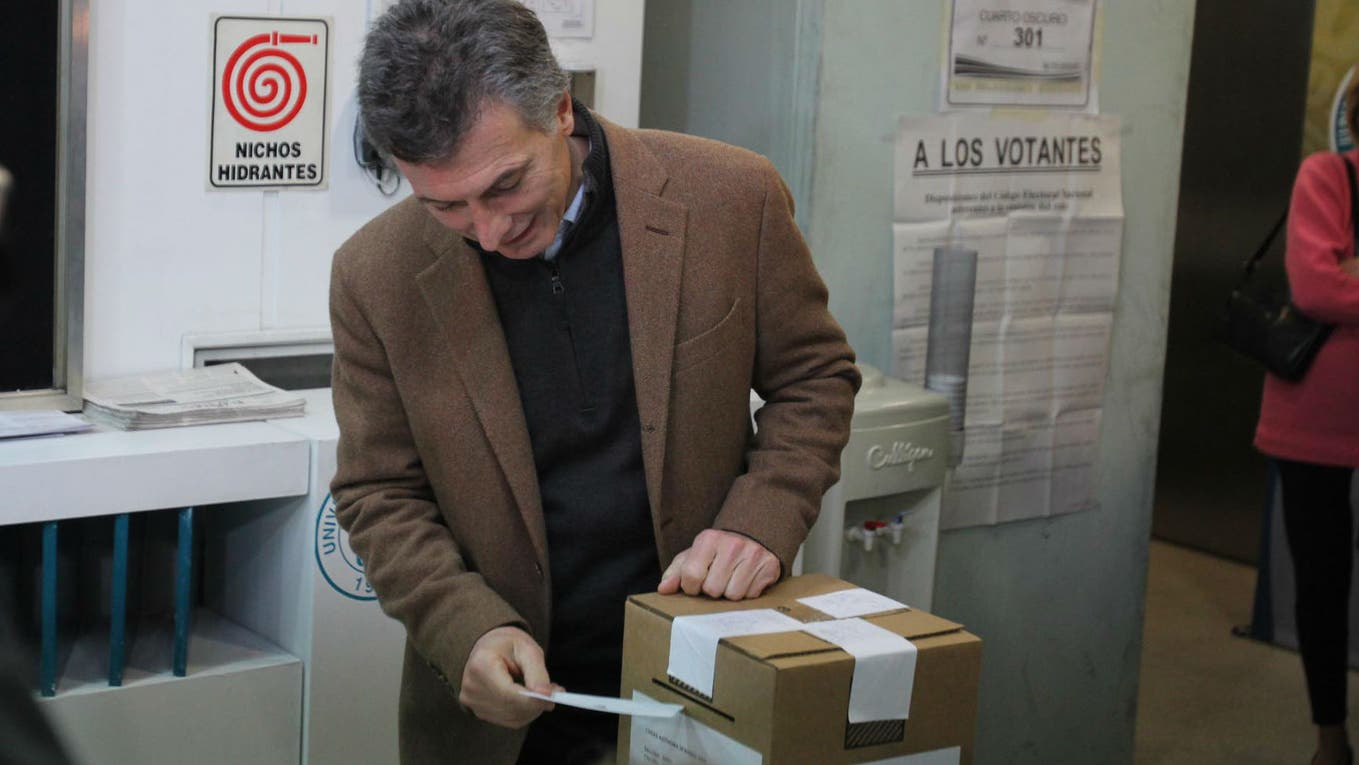 Macri le ganó a Scioli por unos 679.000 votos.