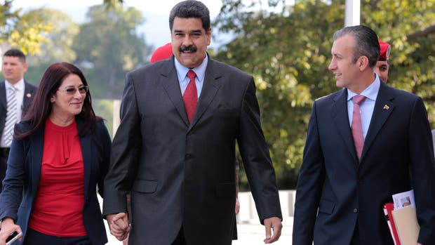 Tareck El Aissami junto a Maduro y la primera dama, Cilia Flores