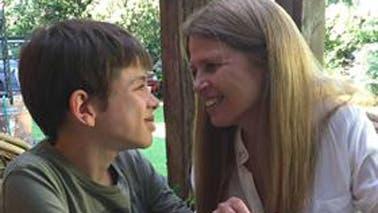 Manu y su mamá, Daniela
