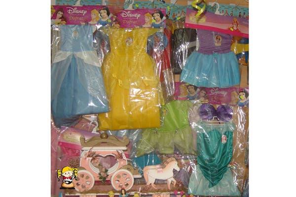También cuentan con disfraces de los distintos personajes de Disney. Foto: Foto: Gentileza Melody Repostería